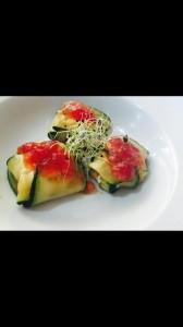 raviolis de calabacin  con mermelada tomate-finde